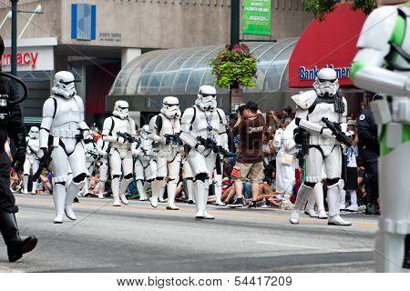 Star Wars Storm Troopers Walk In Atlanta Dragon Con Parade