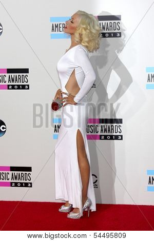 LOS ANGELES - NOV 24:  Christina Aguilera at the 2013 American Music Awards Arrivals at Nokia Theater on November 24, 2013 in Los Angeles, CA