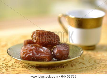 Arabic dates and tea