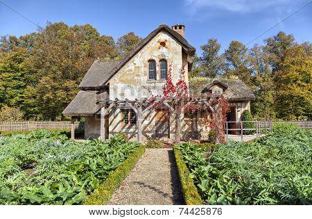 House Of Gardener In Marie-antoinette's Estate In Versailles