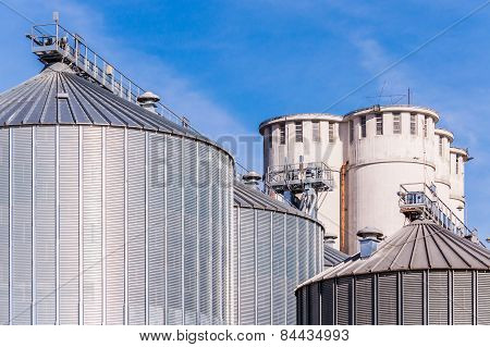 Storage facility cereals and production of biogas; silos and drying towers poster