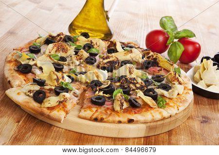Culinary Pizza Eating. Mediterranean food.
