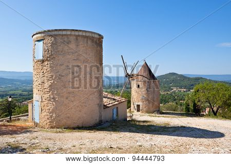 Windmill In Saint Saturnin Les Apt, Provence, France