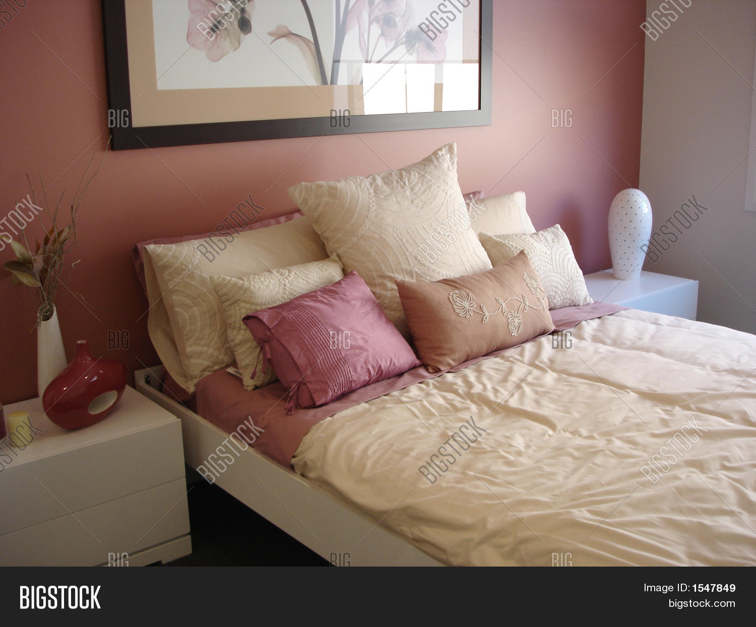 Pink And Cream Bedroom