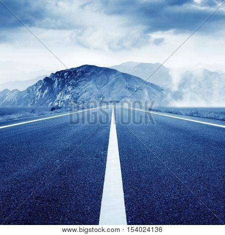 Expressway leading to the mountains, natural fantasy landscape, exaggerated expression.