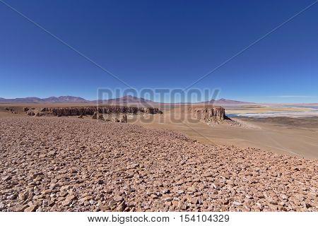 Salar de Tara seen from a higher distant viewpoint.