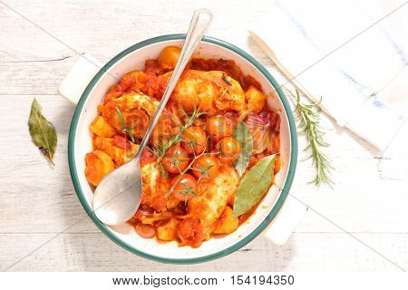 chicken fillet with tomato and rosemary