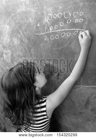 Smart Child Calculat And Solve Hard Mathematic Equation