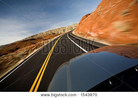 Auto rijden op weg met Motion Blur