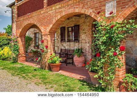 Cottage agriturismo in Tuscany in summer, Italy