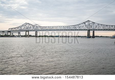 bridge over the Mississippi river in New Orleans LA