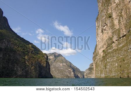 View on the Canyon del Sumidero in Chiapas Mexico