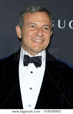 LOS ANGELES - OCT 29:  Bob Iger at the 2016 LACMA Art + Film Gala at Los Angeels Country Museum of Art on October 29, 2016 in Los Angeles, CA