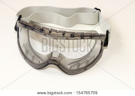 Sealed safety goggles with strap. Goggle sealed acetate AF .