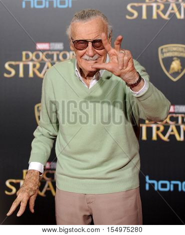 LOS ANGELES - OCT 20:  Stan Lee arrives to the