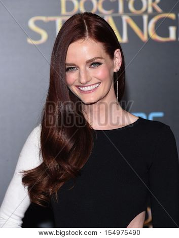 LOS ANGELES - OCT 20:  Lydia Hearst arrives to the