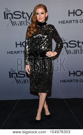 LOS ANGELES - OCT 24:  Isla Fisher arrives to the InStyle Awards 2016 on October 24, 2016 in Hollywood, CA