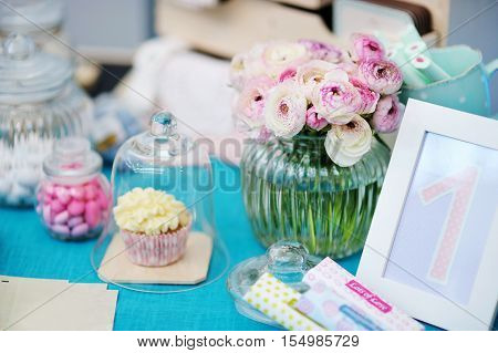 Fancy Blue And Pink Table Set