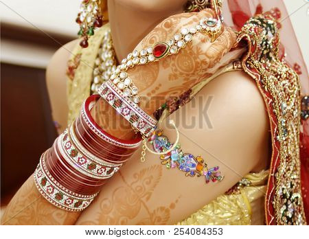 Pakistani Bridal Showing Bangles And Mehndi Design, Indian Bride Showing Colorful Bangles
