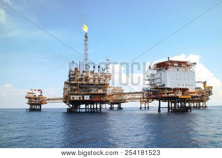 Offshore Construction Platform For Production Oil And Gas, Oil And Gas Industry And Hard Work,produc