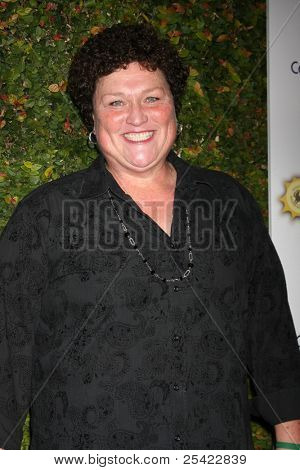 LOS ANGELES - NOV 19:  Dot Marie Jones arrives at