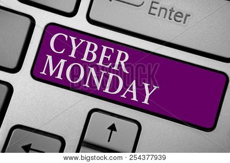 Writing Note Showing Cyber Monday. Business Photo Showcasing Marketing Term For Monday After Thanksg