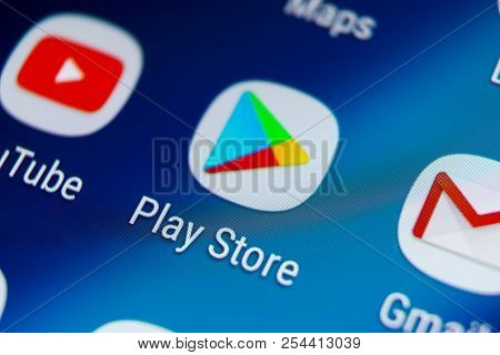 Sankt-petersburg, Russia, August 19, 2018: Play Store Application Icon On Samsung Galaxy S9 Smartpho