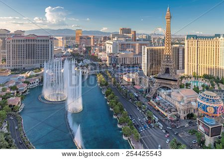 World Famous Vegas Strip In Las Vegas, Nevada At Sunset On July 24, 2018 In Las Vegas, Usa. The Stri