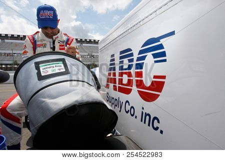 August 18, 2018 - Long Pond, Pennsylvania, USA: TONY KANAAN (14) of Brazil take to the track for the ABC Supply 500 at Pocono Raceway in Long Pond, Pennsylvania.