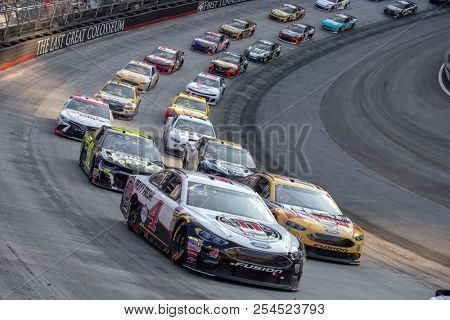 August 18, 2018 - Bristol, Tennessee, USA: Kevin Harvick (4) Races through the field off turn three at the Bass Pro Shops NRA Night Race at Bristol Motor Speedway in Bristol, Tennessee.