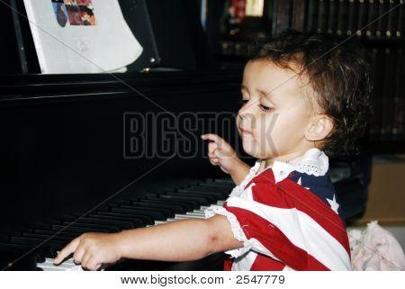 Little Pianist