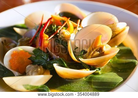 Fried Shellfish With Chili Paste Is Popular Menu,the Main Raw Material Is Shellfish, Can Be Found On