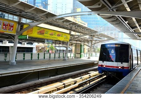 Bangkok, Th - Dec 11: Bangkok Mass Transit System Nana Station On December 11, 2016 In Bangkok, Thai