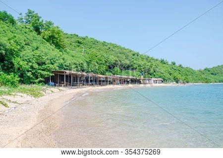 Thailand , Koh Larn Pattaya Oct 21, 2019 : Panorama Sea View Koh Larn Island, Tourists Relaxing On T