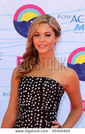 LOS ANGELES - JUL 22:  Sasha Pieterse arriving at the 2012 Teen Choice Awards at Gibson Ampitheatre on July 22, 2012 in Los Angeles, CA