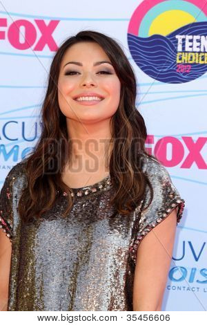 LOS ANGELES - JUL 22:  Miranda Cosgrove arriving at the 2012 Teen Choice Awards at Gibson Ampitheatre on July 22, 2012 in Los Angeles, CA