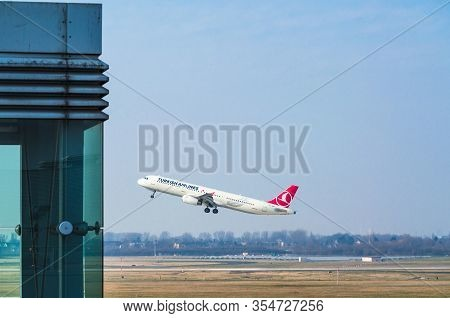 Dusseldorf, Nrw, Germany - March 18, 2015:  Airbus A321 Of Turkish Airlines At Startup On The Dussel