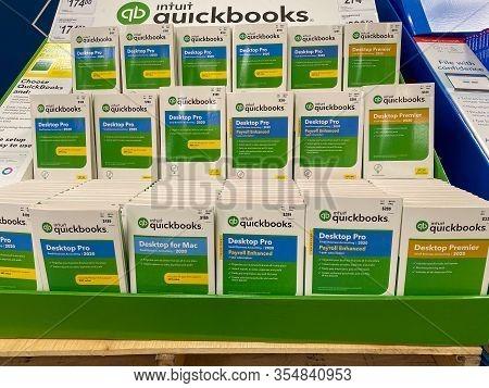Orlando, Fl/usa-3/7/20: Intuit Quickbooks Desktop Pro And Desktop Premier Computer Software Accounti