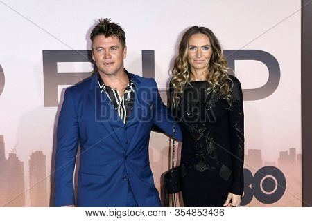 LOS ANGELES - MAR 5:  Luke Hemsworth, wife at the