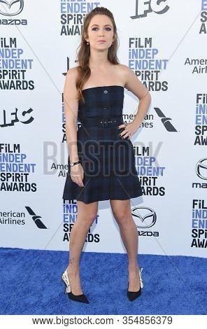 LOS ANGELES - JAN 06:  Billie Lourd arrives for the Film Independent Spirit Awards 2020 on February 08, 2020 in Santa Monica, CA