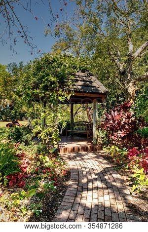 Sarasota, Florida, Usa - February 29, 2020: Gazebo In The Marie Selby Botanical Garden In Sarasota,