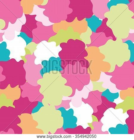 Tropical Flower Seamless Vector Pattern Background. Abstract Hand Drawn Blooms Exotic Backdrop. Mode