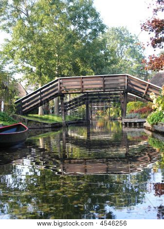 Through The Canals Of Giethoorn Holland