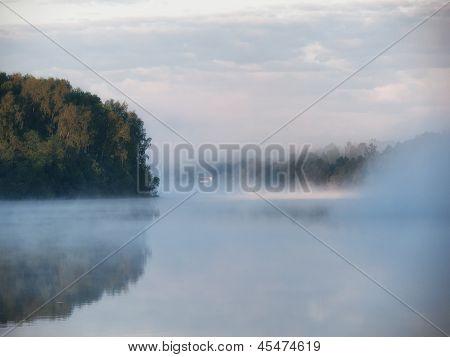 Nebel über See