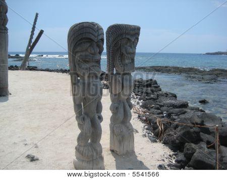 Kona Coast Tikis - Puuhnua O Honaunau
