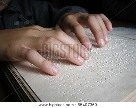 Fingers And Braille