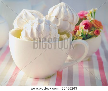 Zephyr In  The White Cup