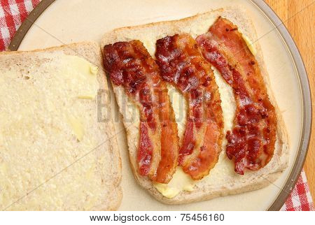 Bacon sandwich with wholewheat bread