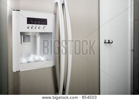 refrigerator with thread cubes