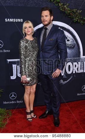 LOS ANGELES - JUN 09:  Anna Faris & Chris Pratt arrives to the
